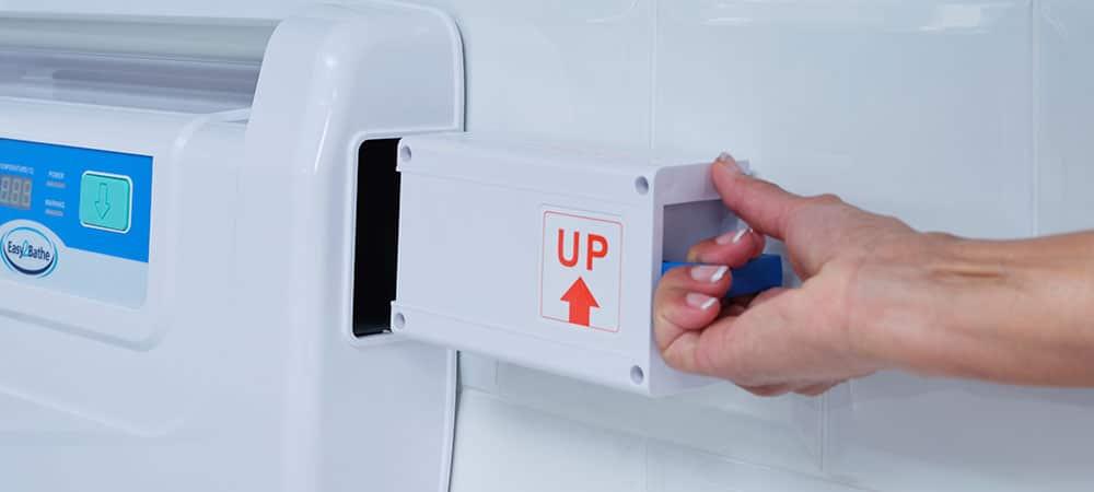 benefits of battery powered bath lift